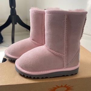 Baby pink Ugg boots 👶 💖